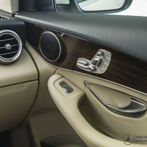 chinh-ghe-phu-lai-noi-that-Mercedes-Benz-GLC-200-2020_mercedeshanoi-com-vn