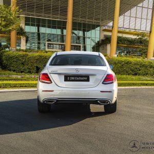 duoi-xe-mercedes-benz-e-200-exclusive (2)-mercedeshanoi-com-vn