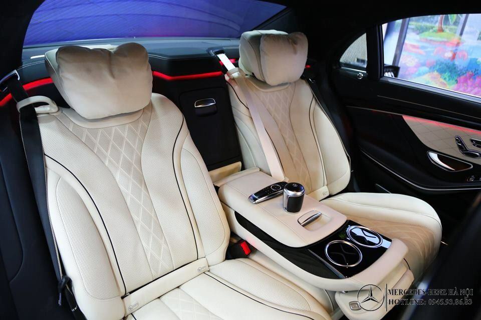 noi-that-mau-trang-den-s450-luxury-mercedeshanoi-com-vn (4)