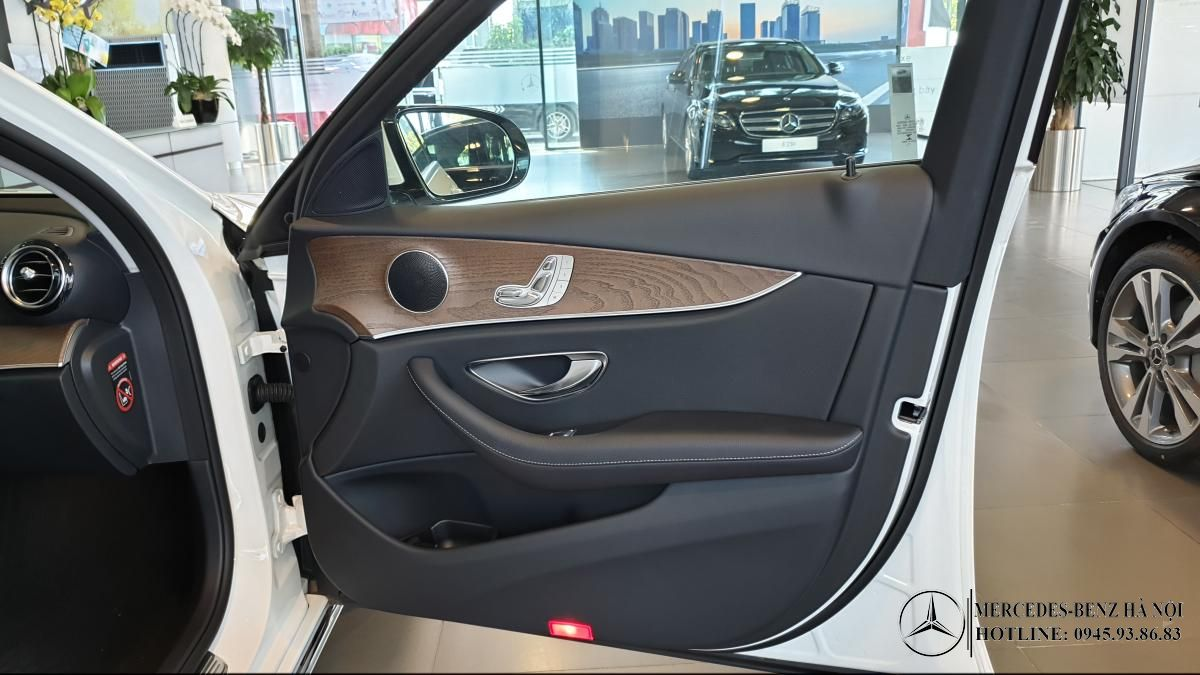 noi-that-xe-mercedes-e200-mercedeshanoi-com-vn (13)