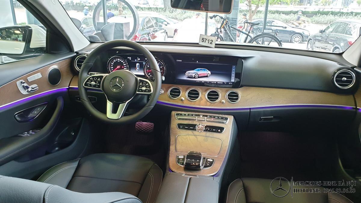 noi-that-xe-mercedes-e200-mercedeshanoi-com-vn (6)
